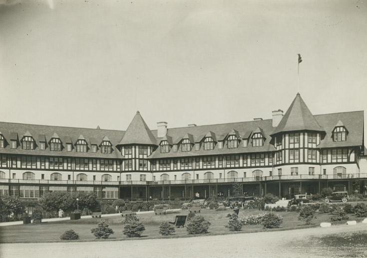 Algonquin_hotel_circa_1928