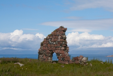 Shot behind the Iona Abbey, ruins. (Source - Robert Brown)